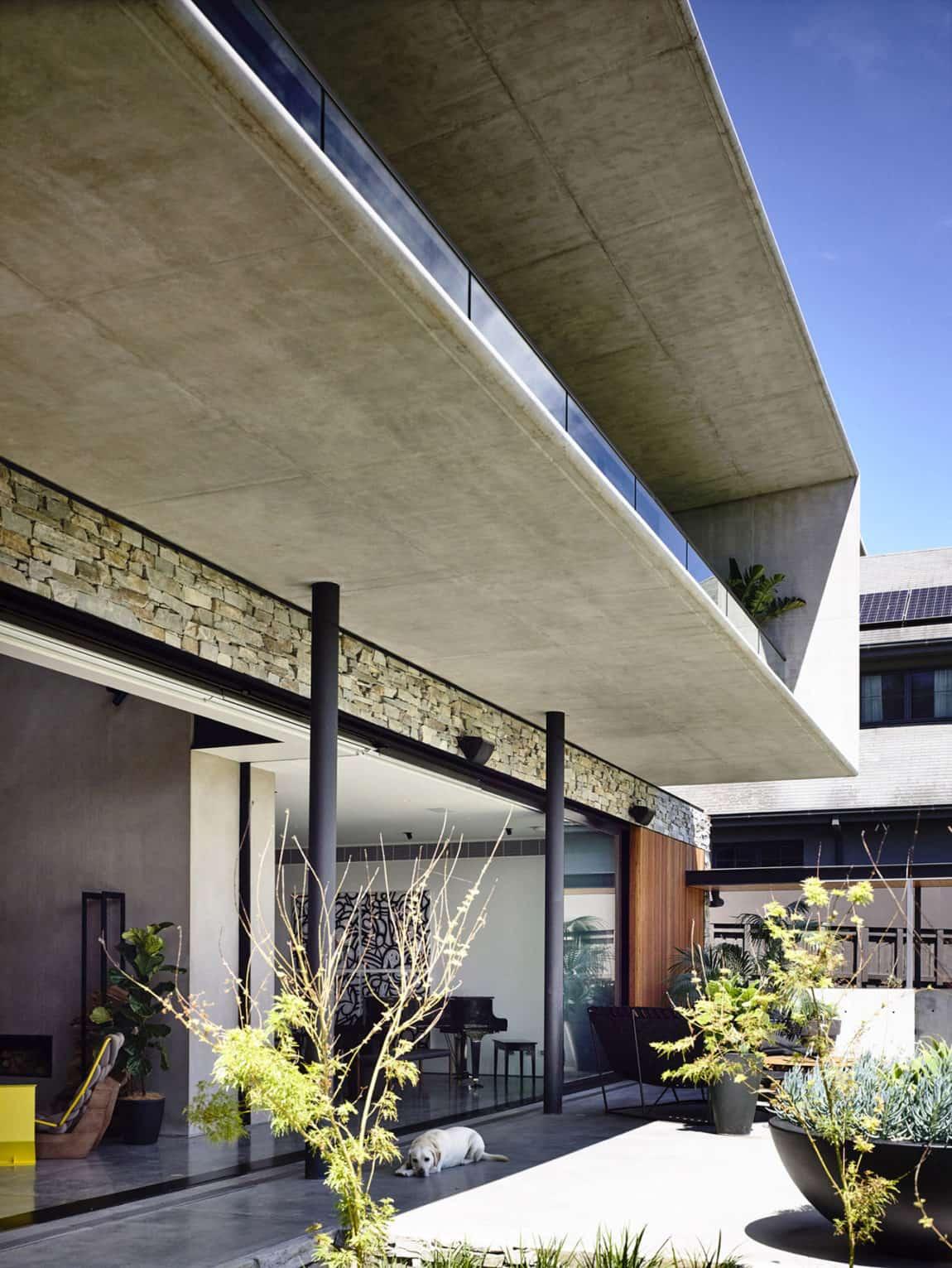 Concrete House by Matt Gibson Architecture (9)