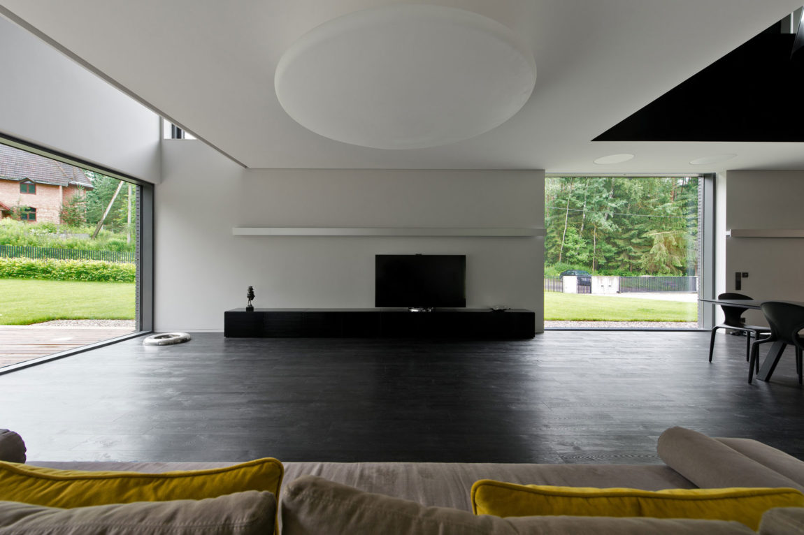 Family House in Minsk by G. Natkevicius & Partners (1)