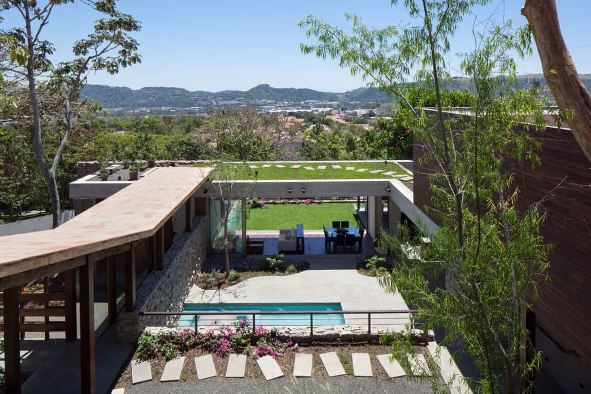 Garden House by Cincopatasalgato (1)