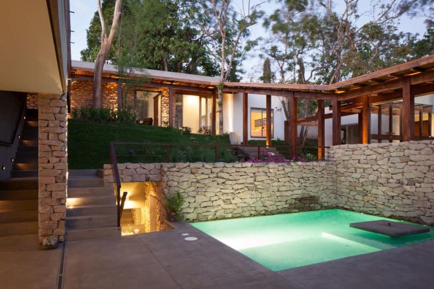 Garden House by Cincopatasalgato (16)