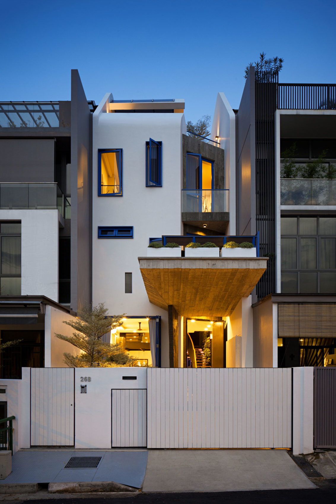 House at Poh Huat Road by Envelope Architects (10)