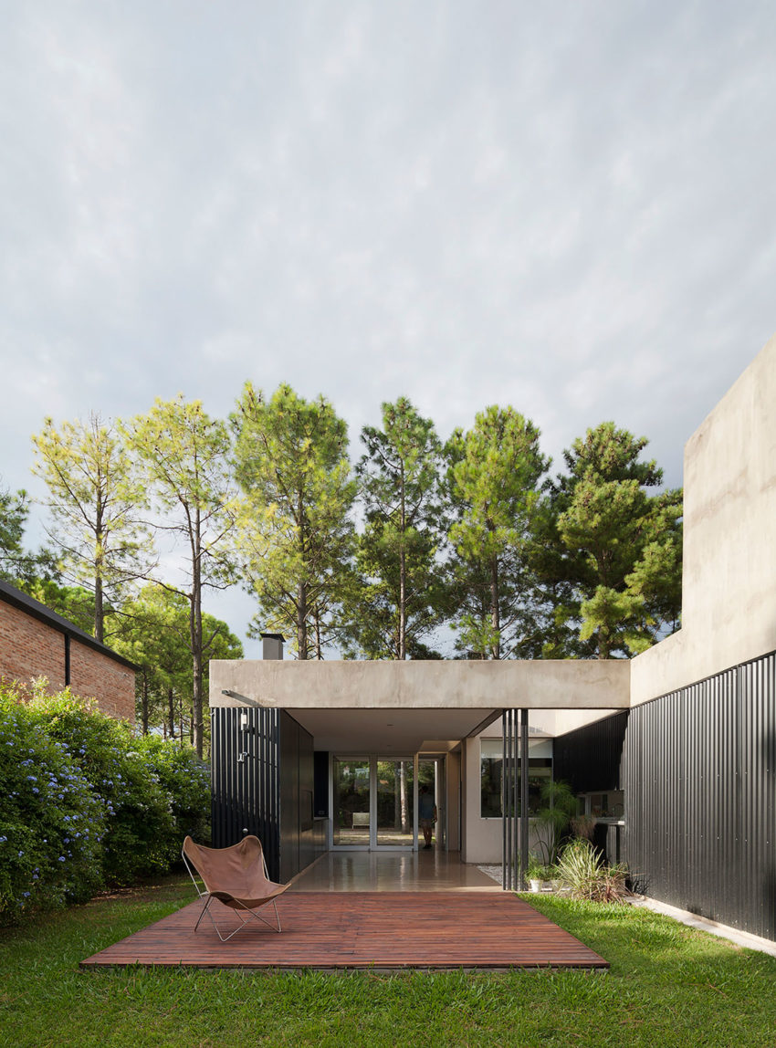 House in El Pinar by Nicolas Bechis (2)