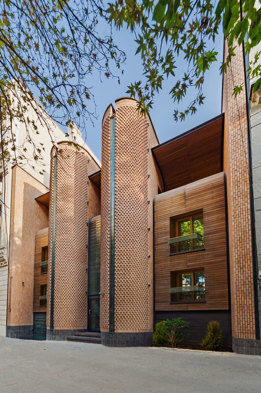 Kaveh House Renovation by Pargar Architecture (3)