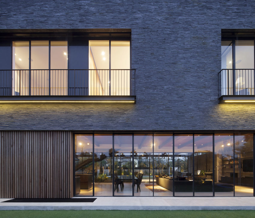 NS Residence by Blatman-Cohen Architects (15)
