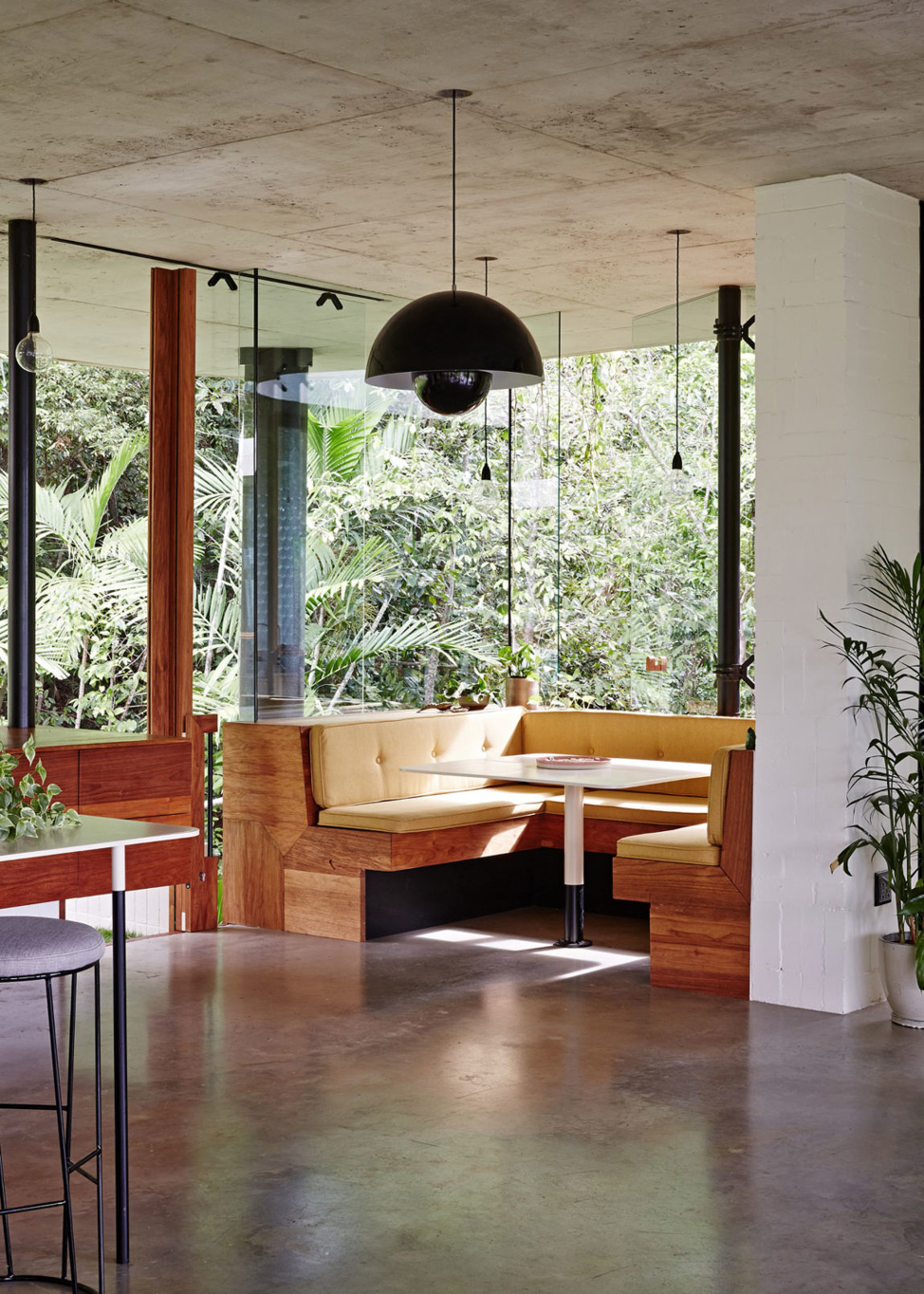 Planchonella House by Jesse Bennett­ Architect (11)