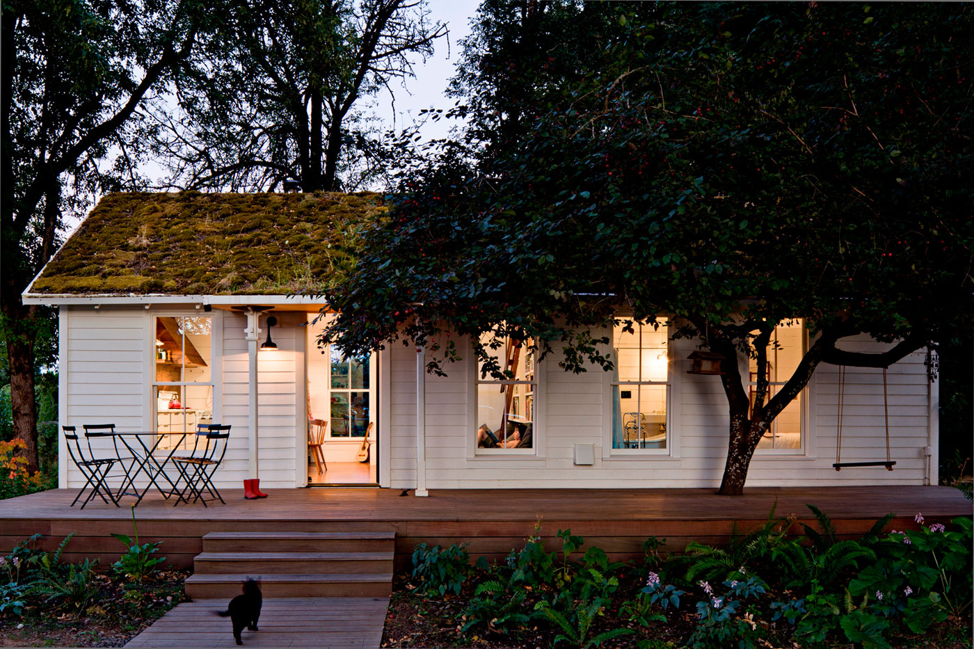 Beautiful small houses that will make you reconsider your home for Beautiful small houses