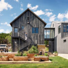 Farmhouse by Shiflet Group Arch & Glynis Wood Int (1)
