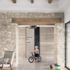 Farmhouse by Shiflet Group Arch & Glynis Wood Int (4)