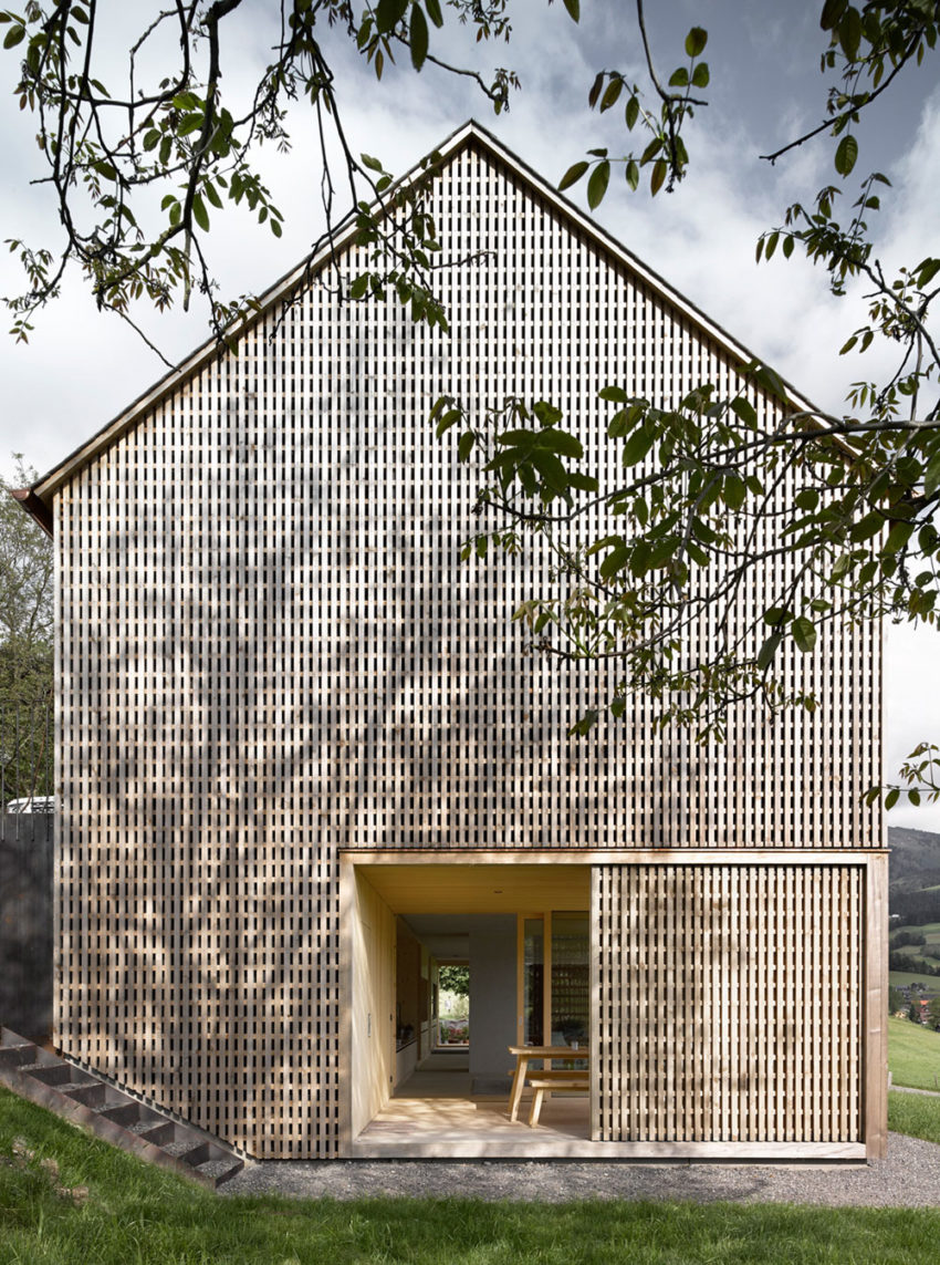 Haus für Julia und Björn by Innauer-Matt Architekten (2)