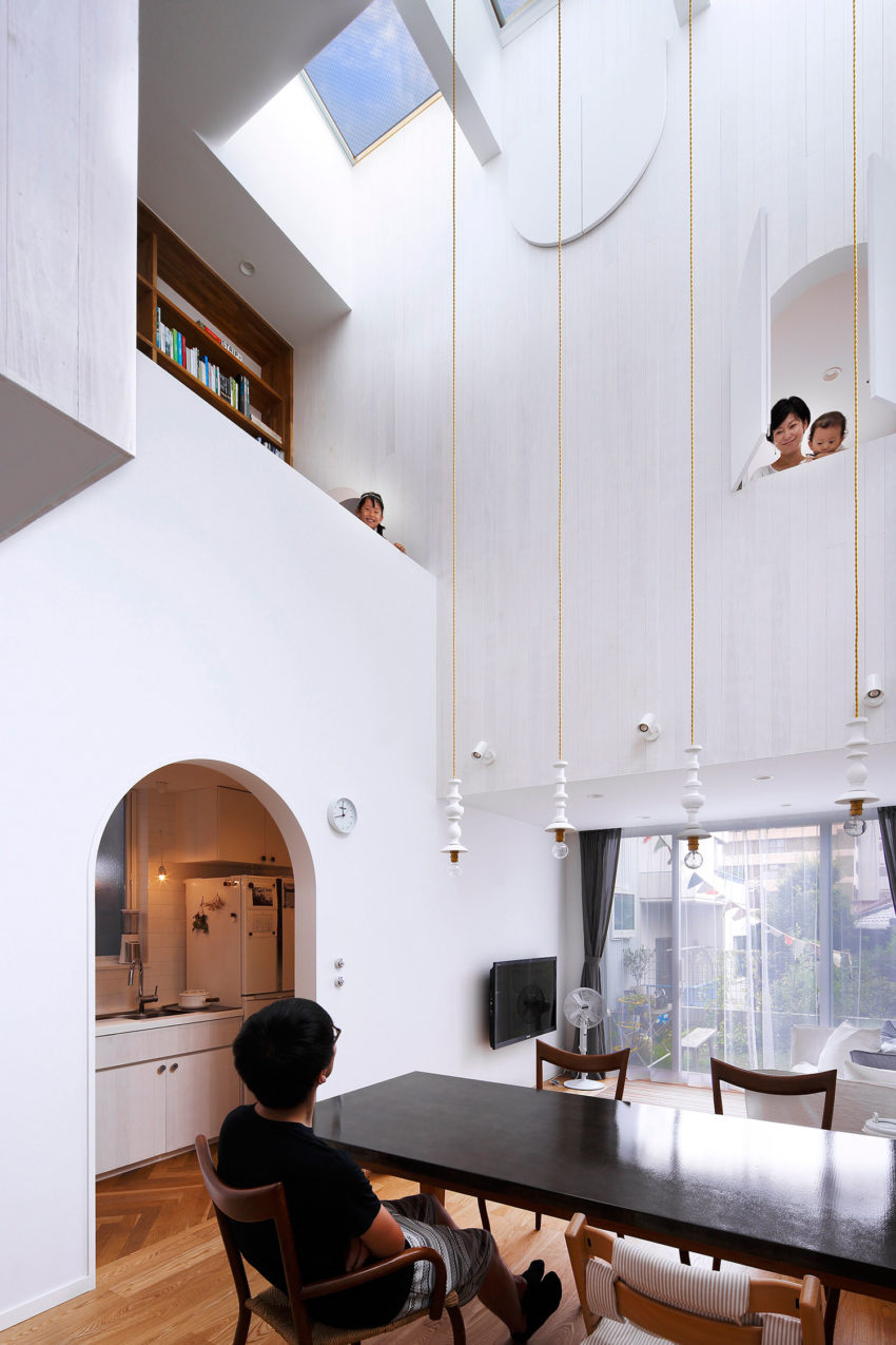 House in Tama-Plaza by Takushu ARAI Architects (8)