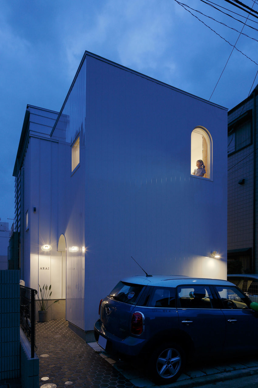 House in Tama-Plaza by Takushu ARAI Architects (13)