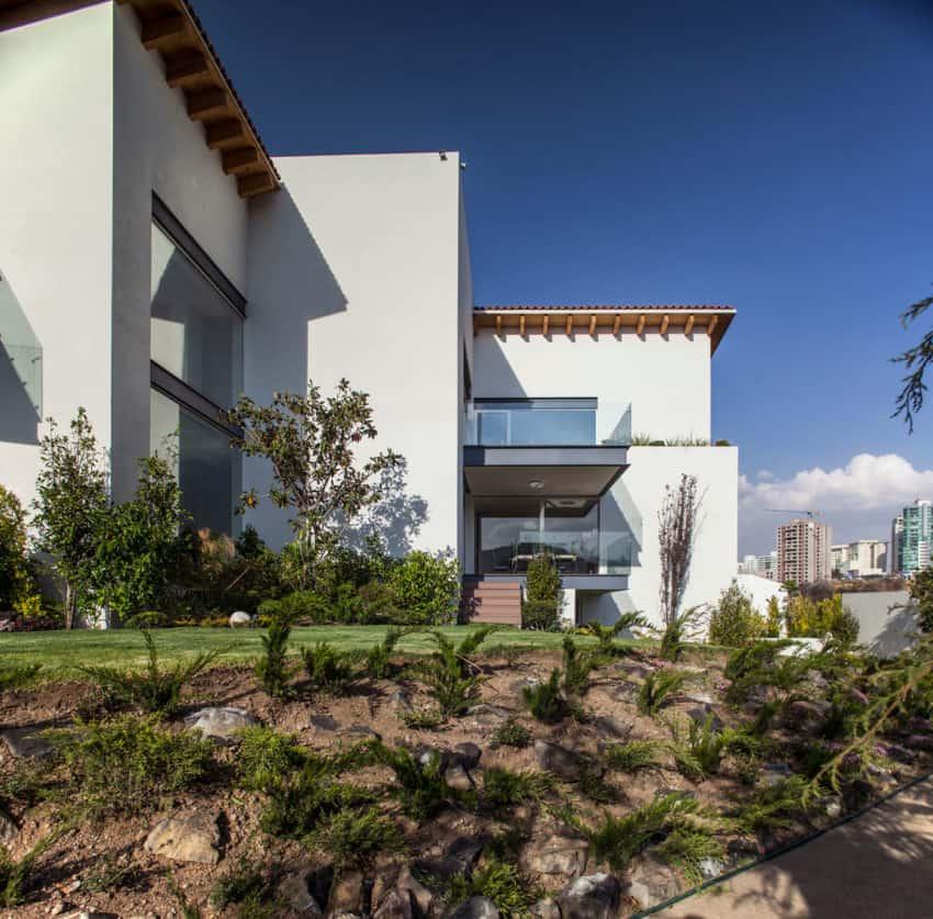 La Casa Bonita by Almazán Arquitectos Asociados (4)