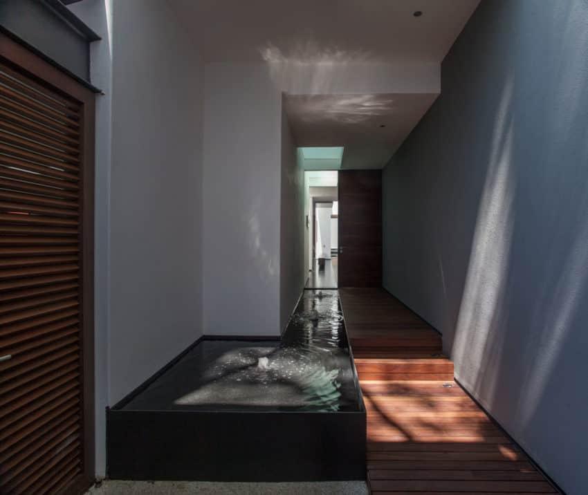 La Casa de los 5 Patios by Almazán Arquitectos Asociados (7)
