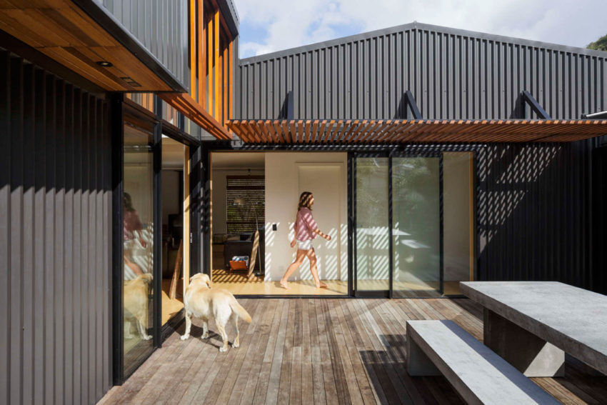 offSET Shed House by Irving Smith Jack Architects (6)