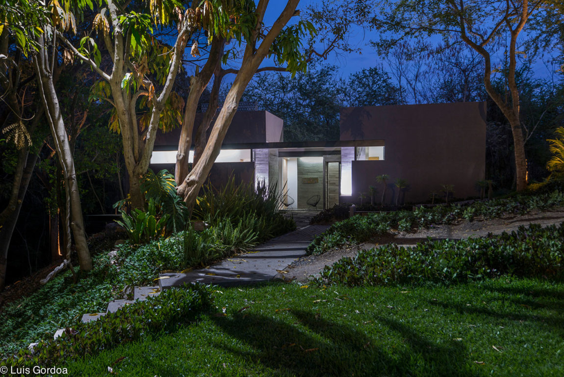 RGT House by GBF Taller de Arquitectura (23)