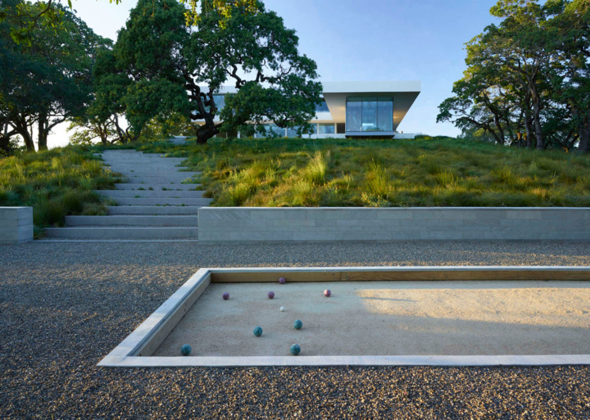 Retrospect Vineyards Residence by Swatt Miers Architects (1)