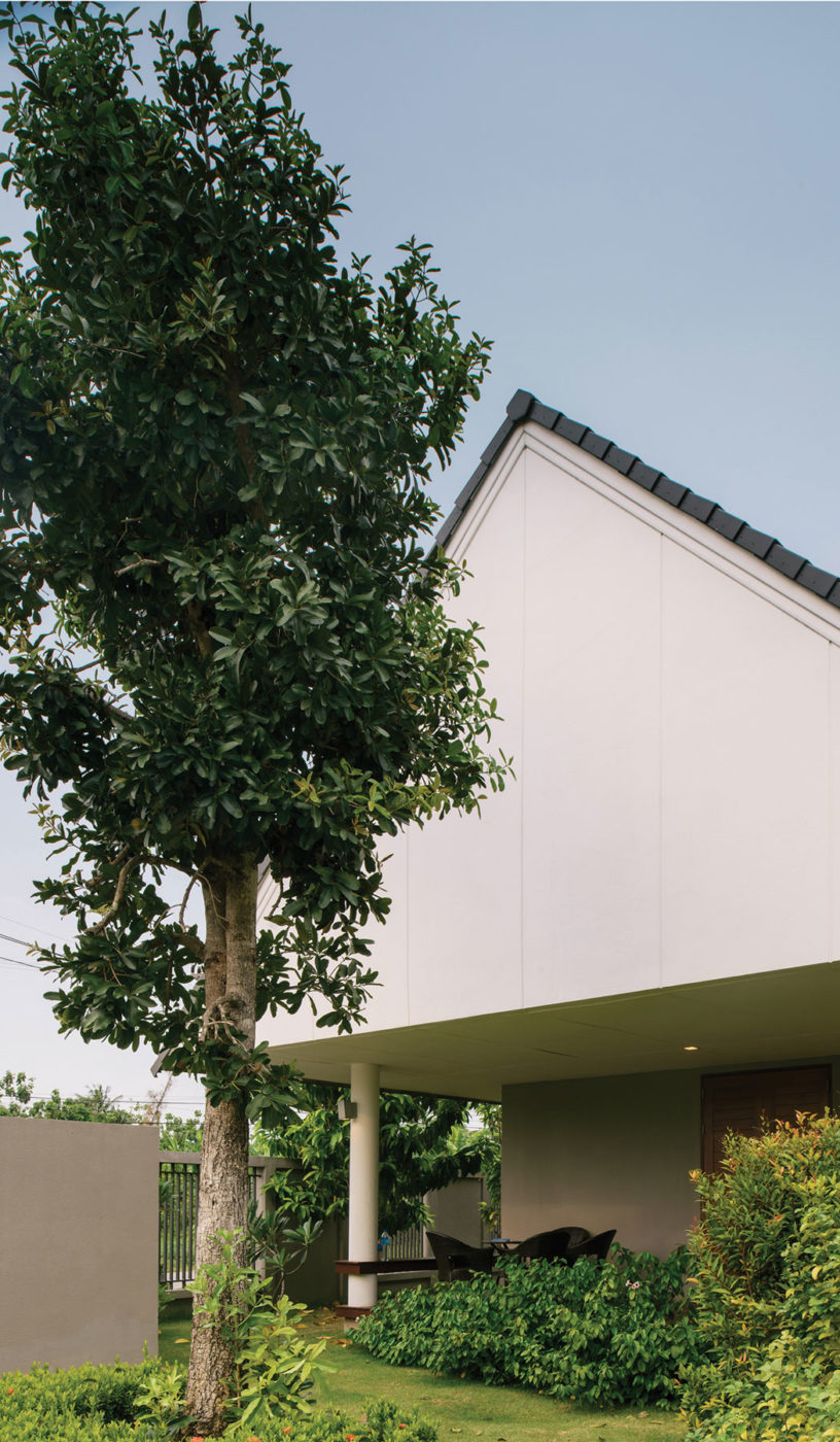 The Triangle House by Phongphat Ueasangkhomset (3)