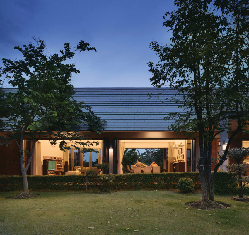 The Triangle House by Phongphat Ueasangkhomset (17)