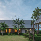 The Triangle House by Phongphat Ueasangkhomset (19)
