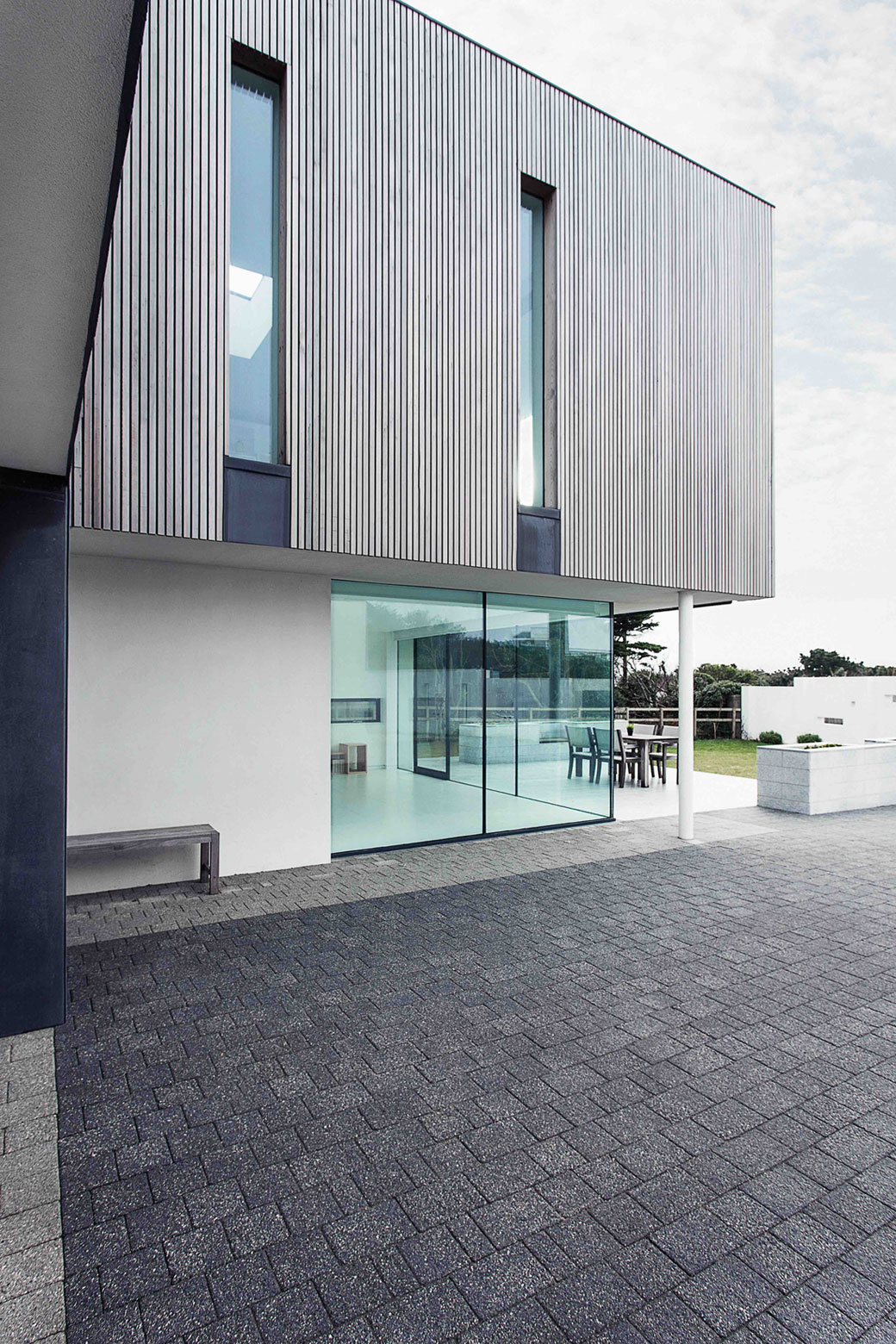 Zinc House by OB Architecture (5)