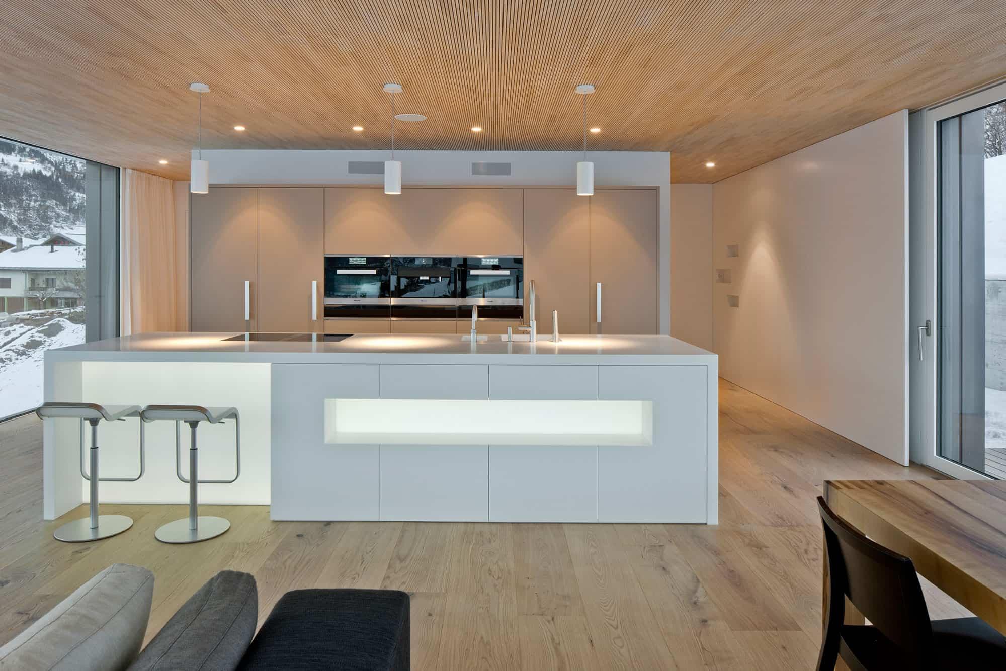 A HI-MACS Home In Termen (4)
