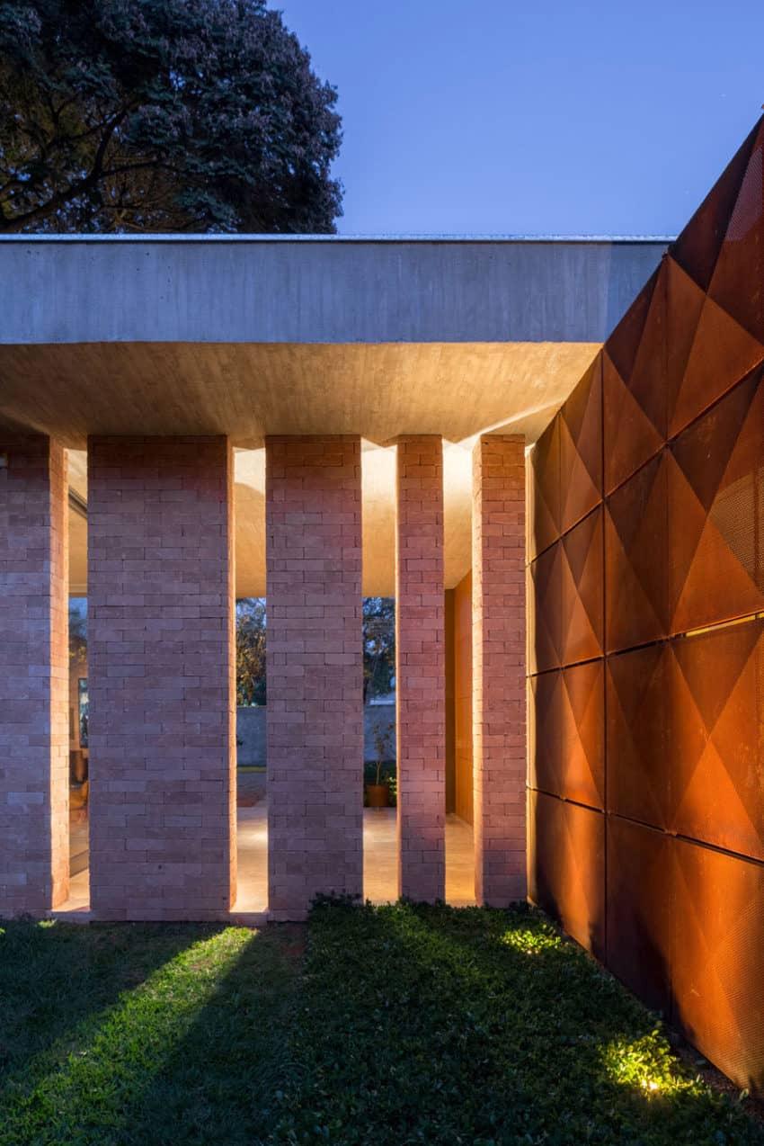 BLM House by ATRIA Arquitetos (18)