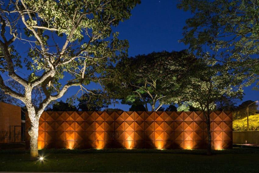 BLM House by ATRIA Arquitetos (25)