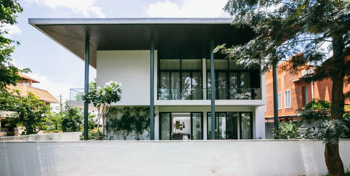 Courtyard House by Abin Design Studio (1)
