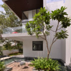 Courtyard House by Abin Design Studio (8)