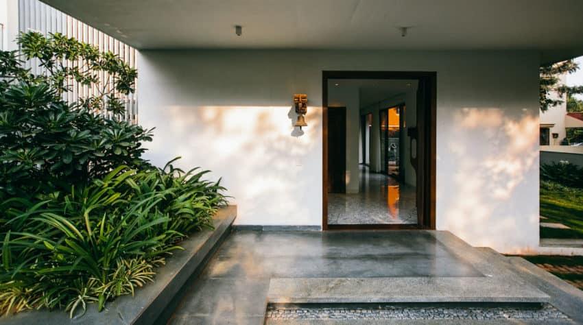 Courtyard House by Abin Design Studio (10)