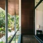 Courtyard House by Abin Design Studio (23)
