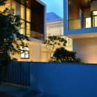 Courtyard House by Abin Design Studio (26)