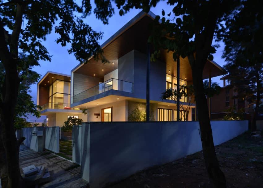Courtyard House by Abin Design Studio (27)