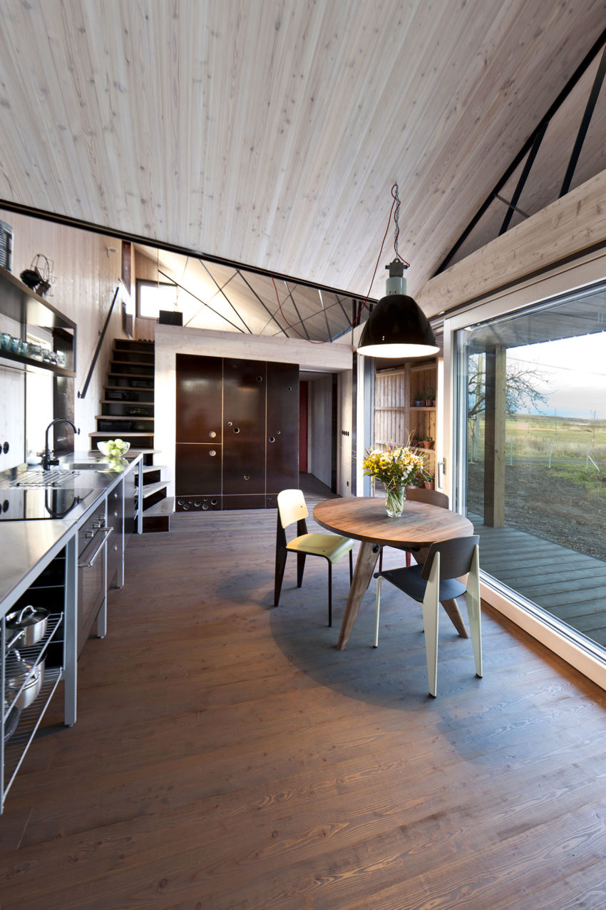 Energy Efficient Wooden House Zilvar by ASGK Design (8)