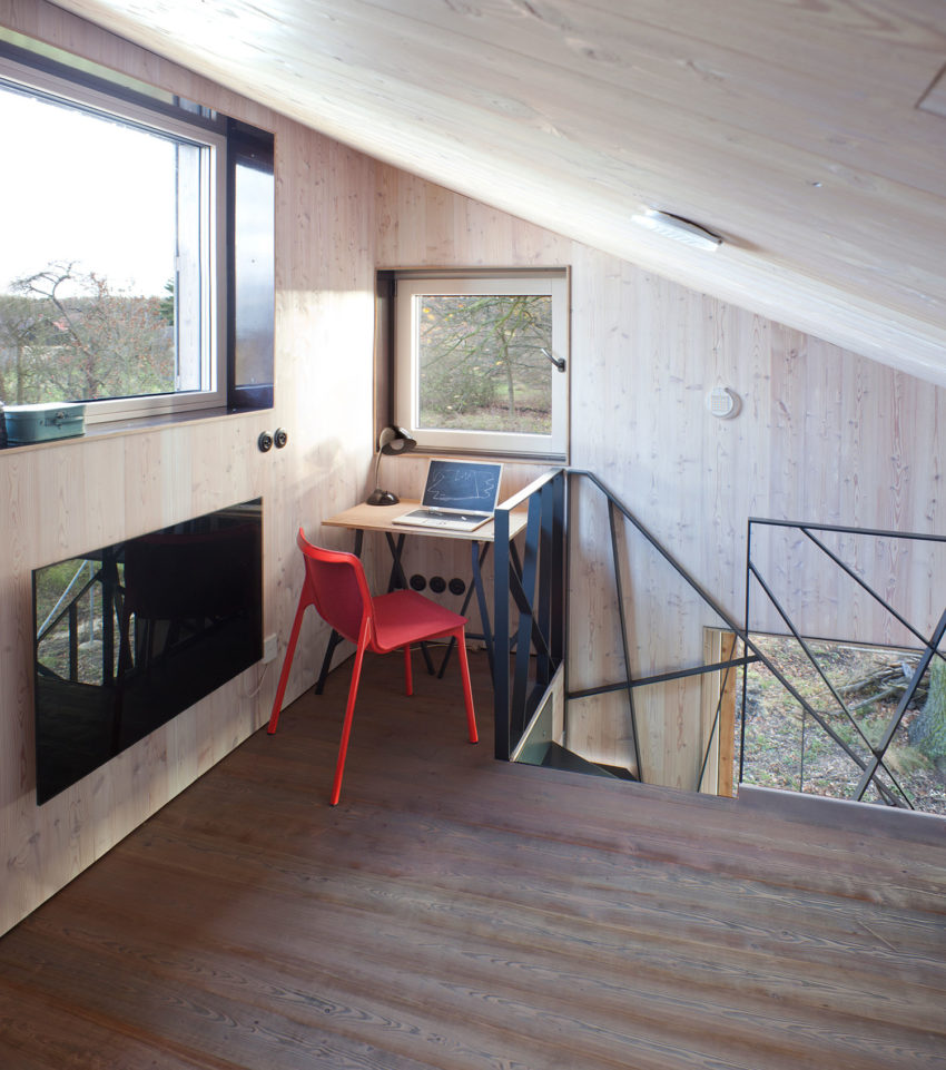 Energy Efficient Wooden House Zilvar by ASGK Design (11)