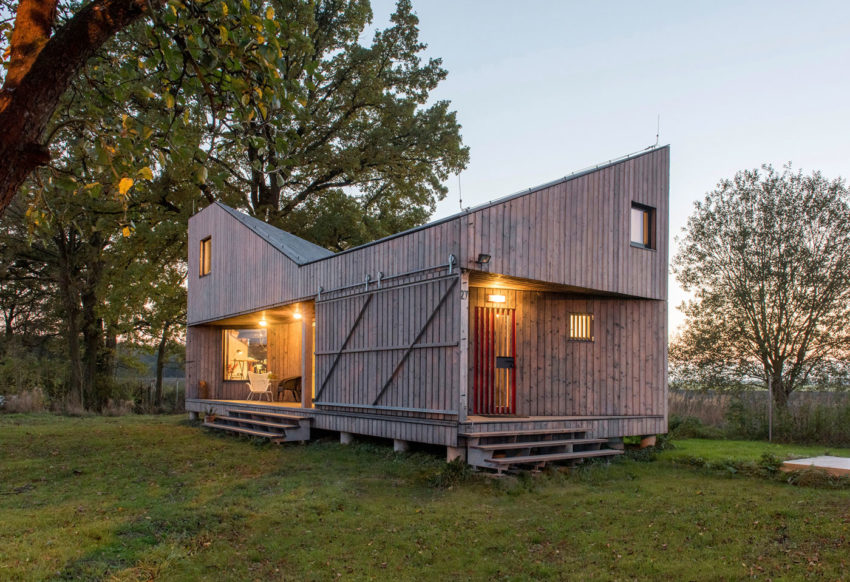 Energy Efficient Wooden House Zilvar by ASGK Design (12)