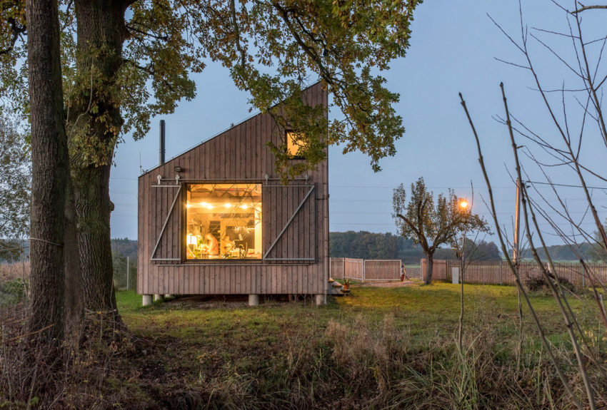 Energy Efficient Wooden House Zilvar by ASGK Design (13)