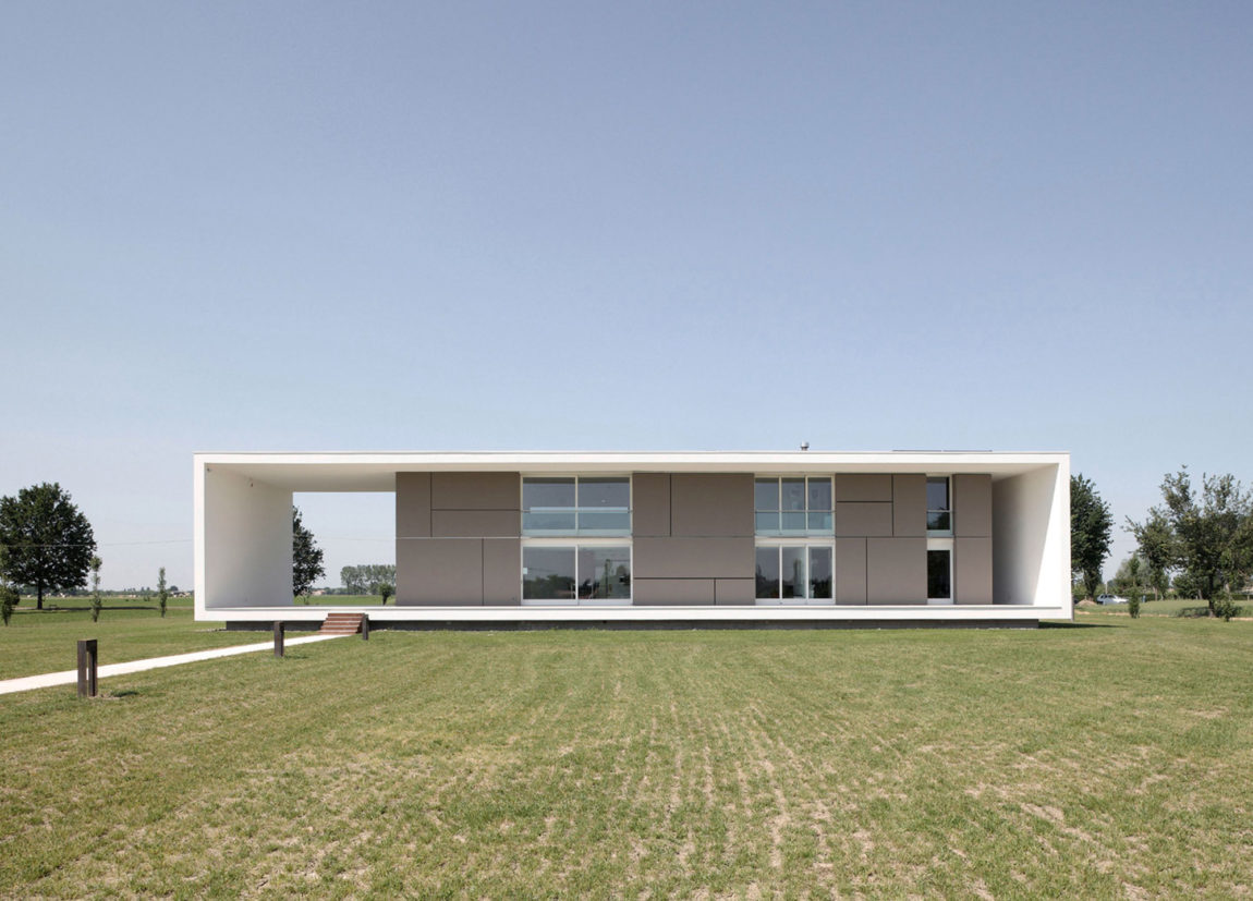 House on the Stream by Andrea Oliva (1)