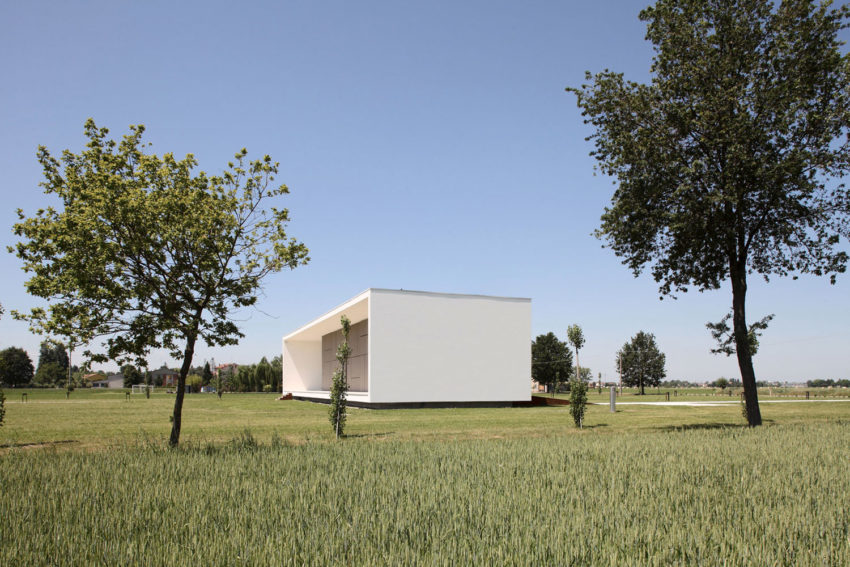 House on the Stream by Andrea Oliva (7)