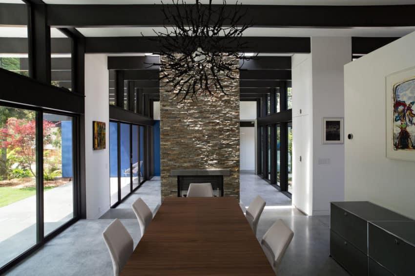 Modern Atrium House by Klopf Architecture (13)