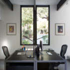 Modern Atrium House by Klopf Architecture (25)