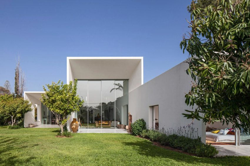 T/A House by Paritzki & Liani Architects (3)