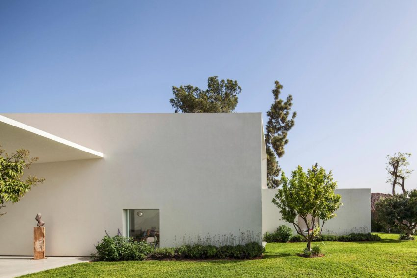 T/A House by Paritzki & Liani Architects (5)