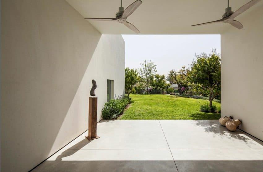 T/A House by Paritzki & Liani Architects (6)