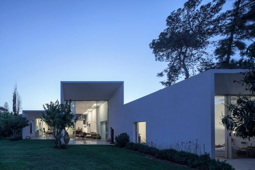 T/A House by Paritzki & Liani Architects (18)