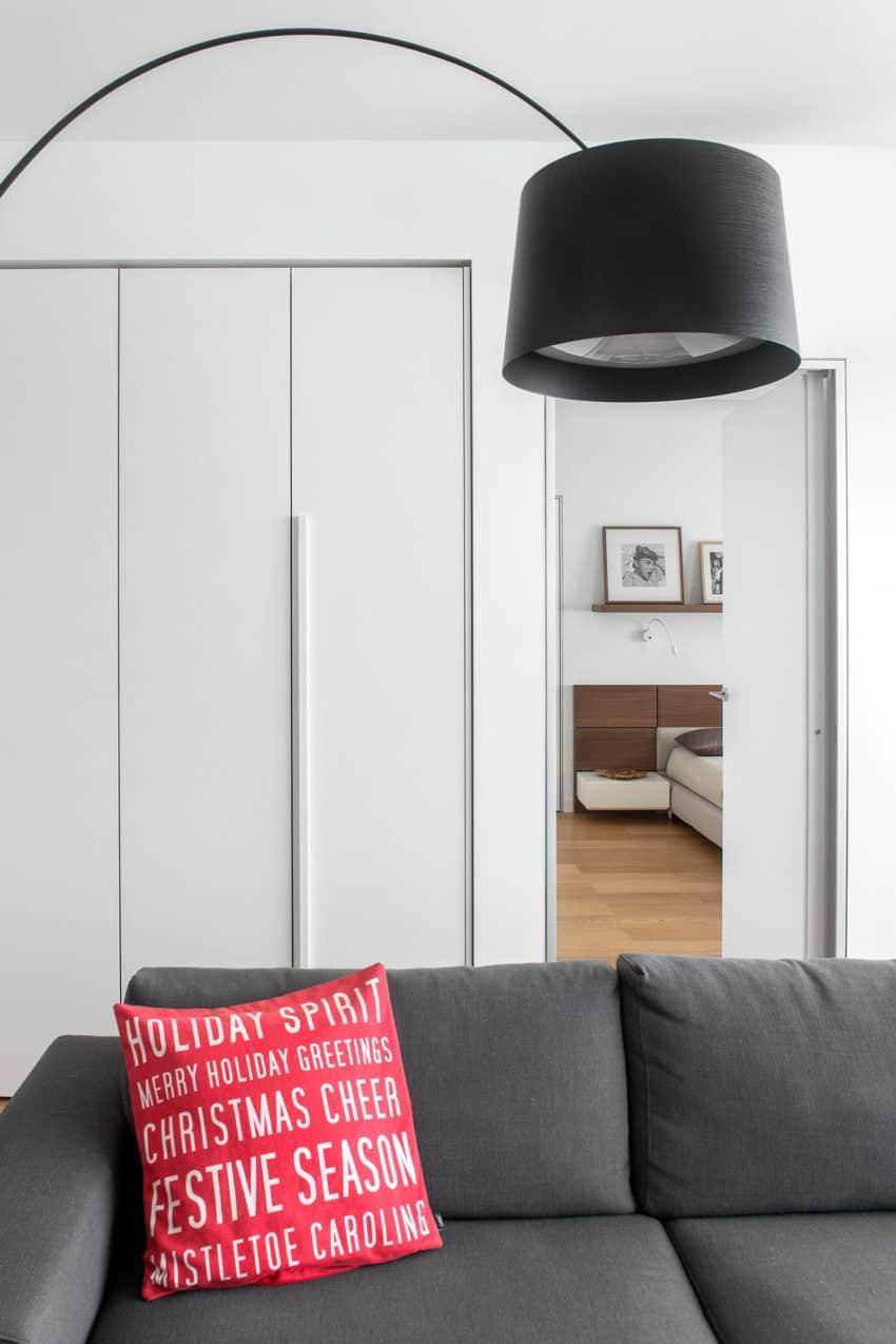 Tikhonov Dsgn Creates Tiny Apartment Interior in Moscow (4)