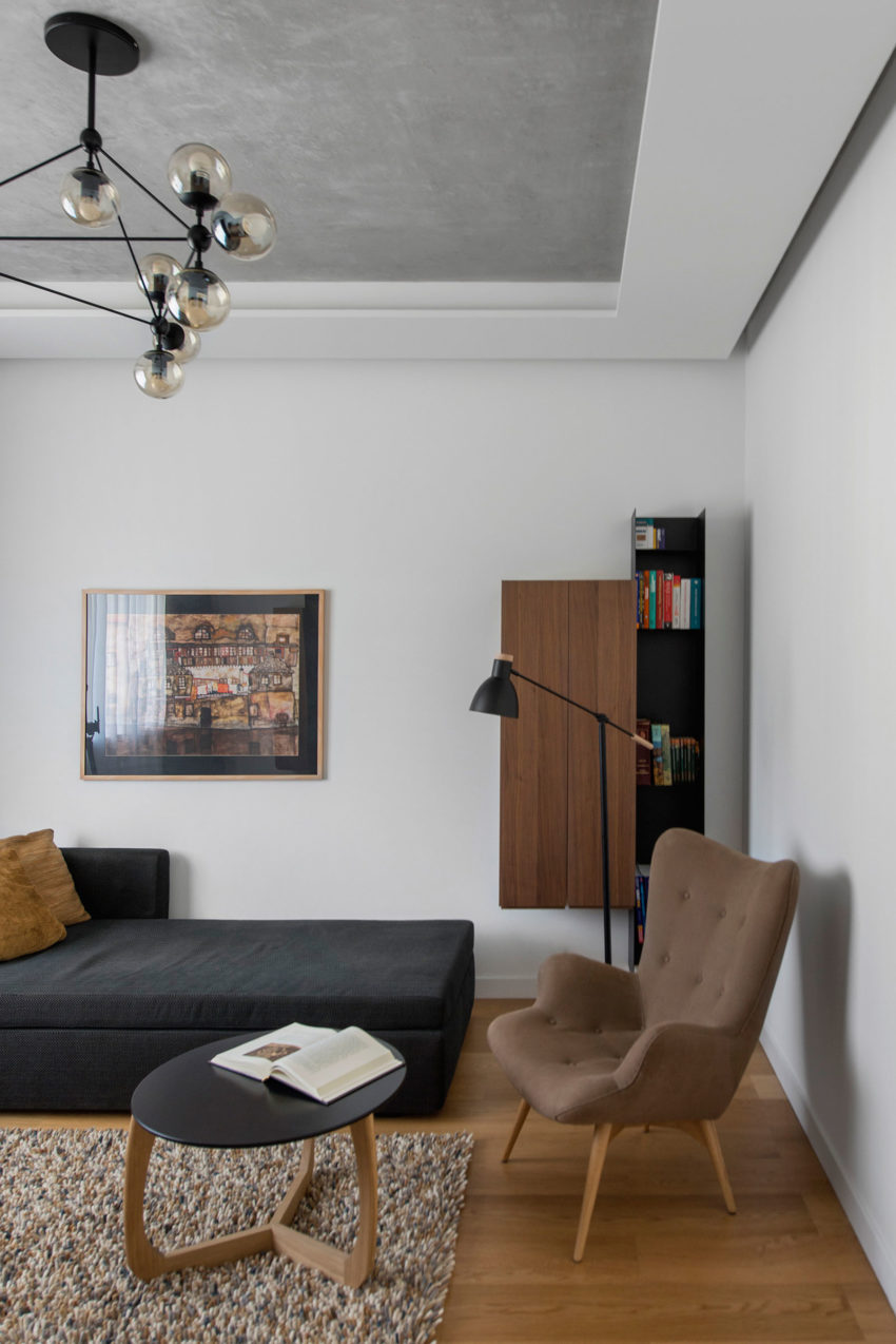 Tikhonov Dsgn Creates Tiny Apartment Interior in Moscow (7)
