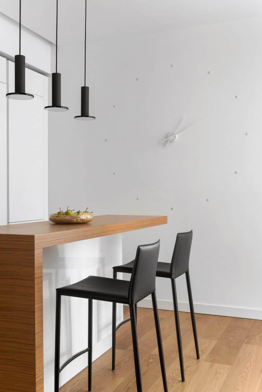Tikhonov Dsgn Creates Tiny Apartment Interior in Moscow (10)