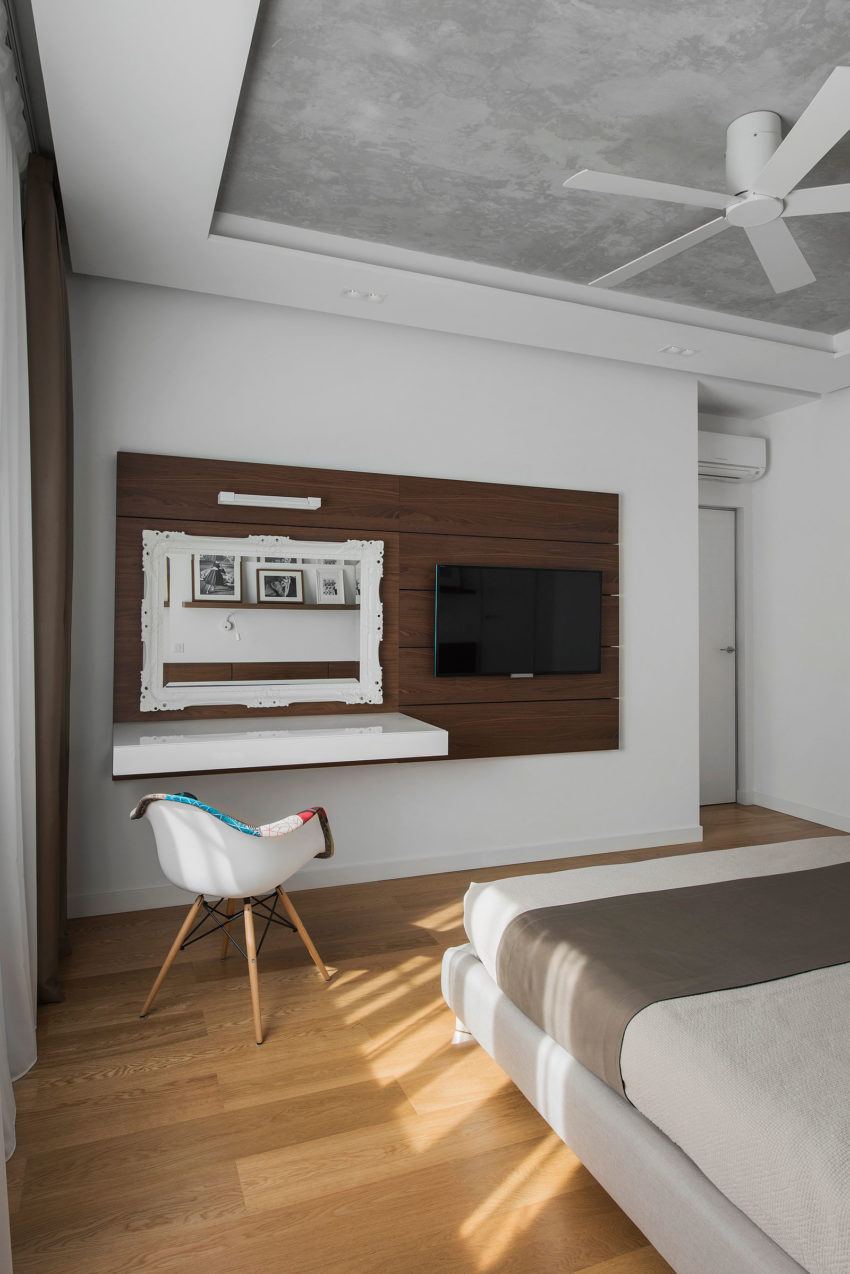 Tikhonov Dsgn Creates Tiny Apartment Interior in Moscow (16)