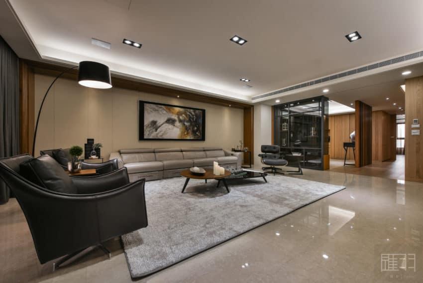 A Spacious Apartment Full of Contemporary Elegance (8)